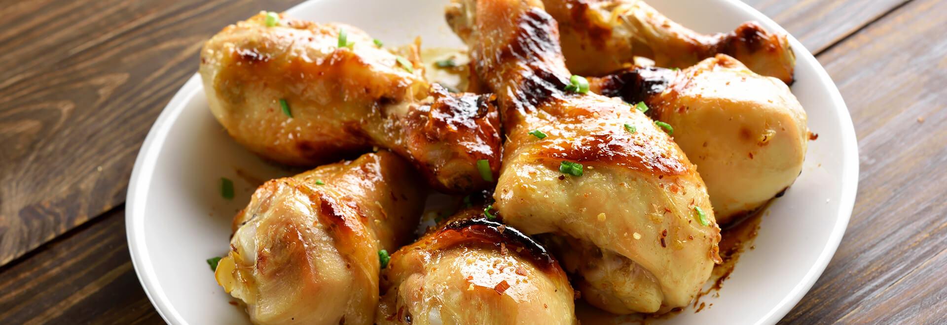 Pernas de frango no forno com mostarda e cerveja